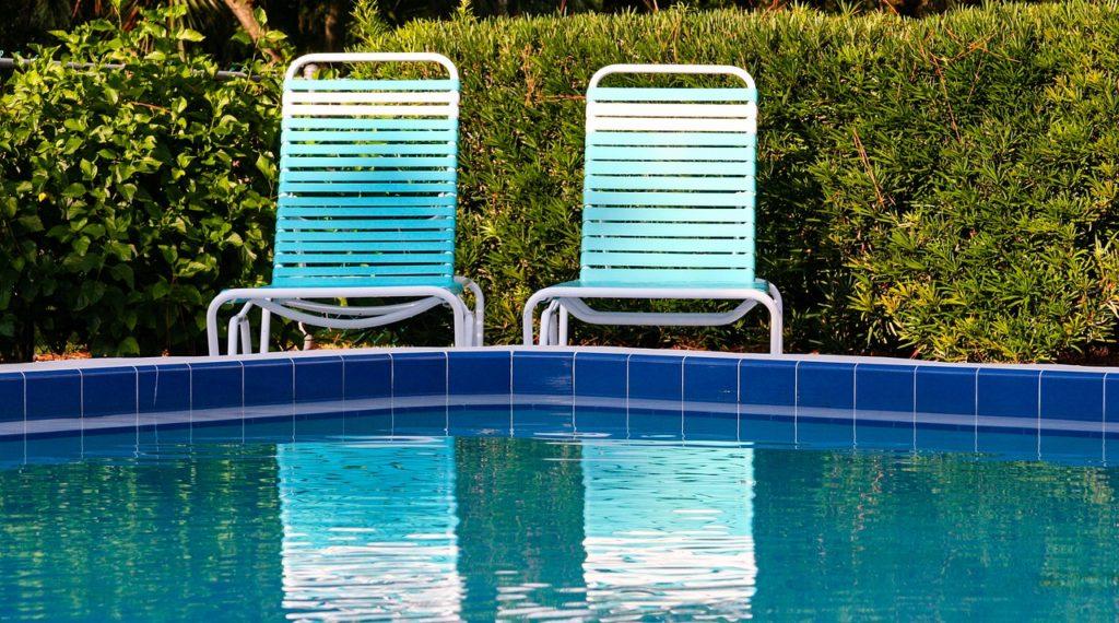 swimming pool, lounge, water