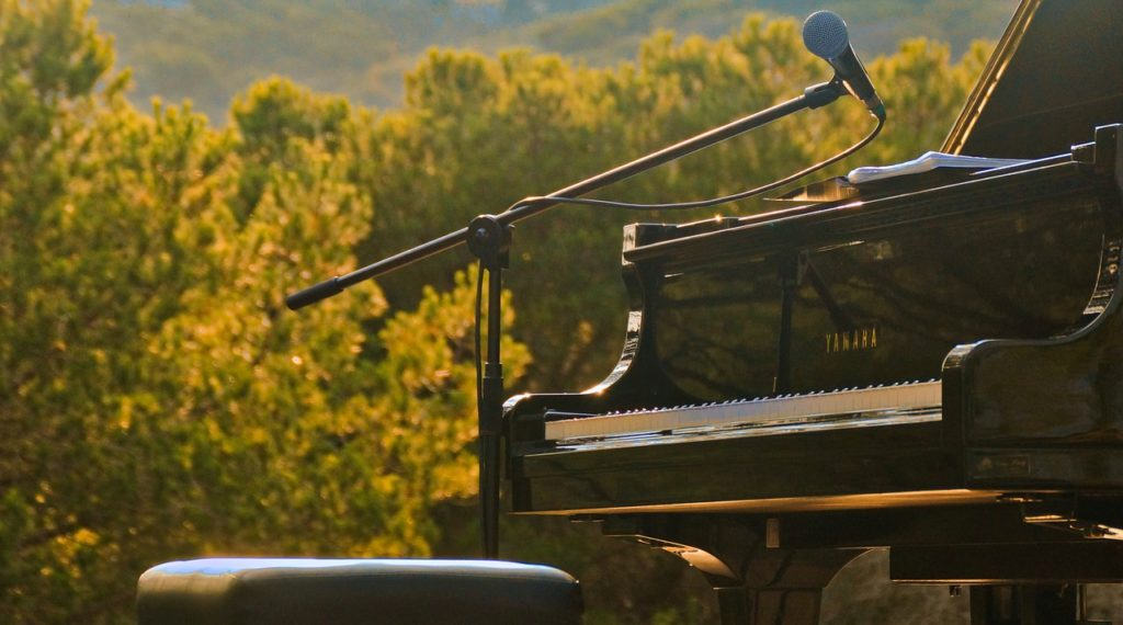 piano, open air, nature